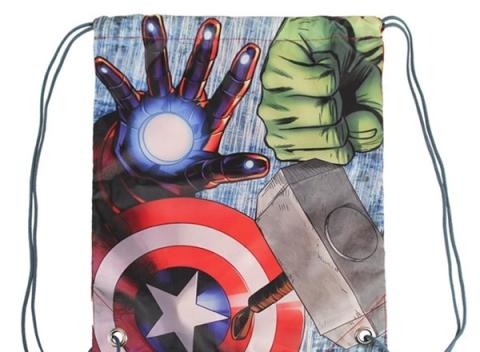 5a83e8420 Predstavujeme vak na chrbát so šnúrkami Avengers (31 x 38 cm), o ktorý