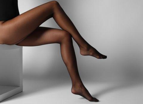 Zvodné a zároveň elegantné nohy vďaka elegantným vzorovaným pančuškám s  hrúbkou 350 DEN. Slovensko Oblečenie 49eddcd230