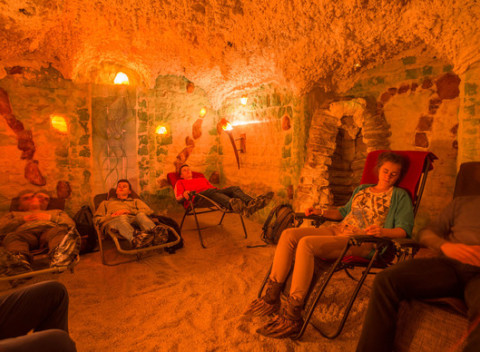 c9f58647a32f Unikátny nočný pobyt v soľnej jaskyni alebo jednorázový vstup či  permanentka.