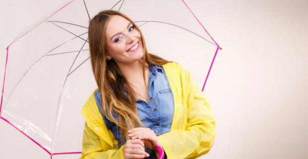 Veselé transparentné dáždniky do dažďa. Vystreľovací dáždnik s oranžovým lemovaním. Tak vybehnite von, aj keď vonku práve prší!