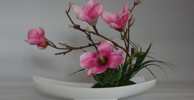 Široký sortiment nádherných ikebán vhodných na dekoráciu interiéru i exteriéru. Vynikajúca kvalita. Natural flower efekt každej z ikebán.