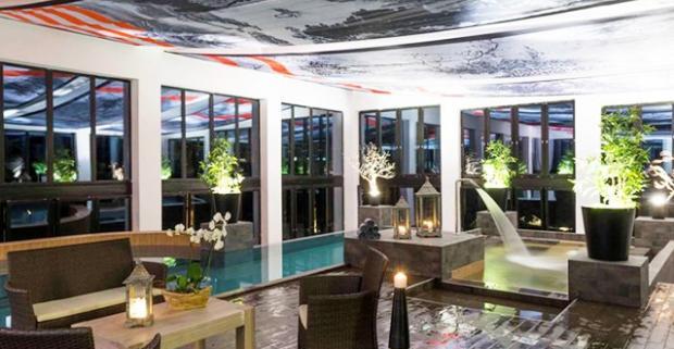 Prežite skvelú rodinnú dovolenku v horách blízko maďarského mesta Eger. Wellness pobyt v Oxigén Hotel Superior Family & Spa v Noszvaj.
