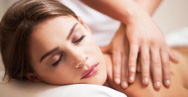 Zabudnite na starosti počas masáže podľa vašich predstáv. Na výber klasická, relaxačná, masáž chodidiel či olejová masáž celého tela.