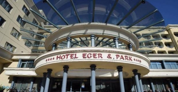 Doprajte si oddych v elegantnom 4* hoteli v maďarskom meste Eger. Jedinečný pobyt pre celú rodinu s polpenziou a moderným wellness.