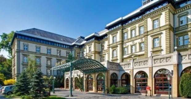 Užite si pobyt v najkrajšom európskom meste v Budapešti. Luxusný 4* Grand Hotel Margitsziget s neobmedzeným wellness a polpenziou.