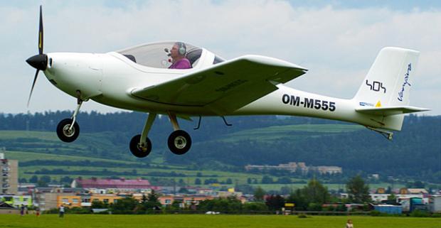 Vidieť krajinu okolo seba z iného pohľadu a zažiť pocity pilota? Lietanie lietadlom alebo školenie pilotom na skúšku.