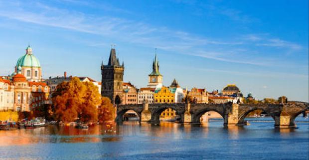 Nie len slnečné leto, ale aj chladnejšie mesiace majú v Prahe svoje čaro. Pobyt v centre mesta pre dvoch s raňajkami v 4* hoteli Seifert.