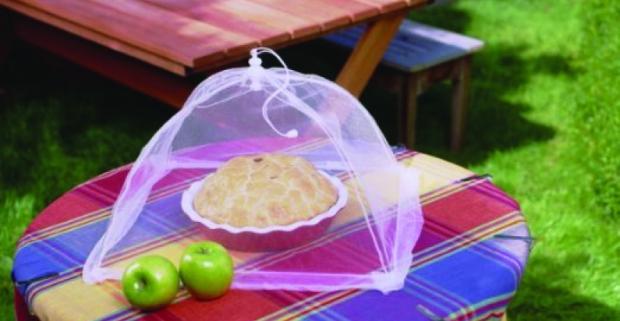 Krycia sieťka na potraviny, ponúka ochranu pred otravných hmyzom. Dá sa jednoducho zložiť a ľahko udržiavať v čistote.