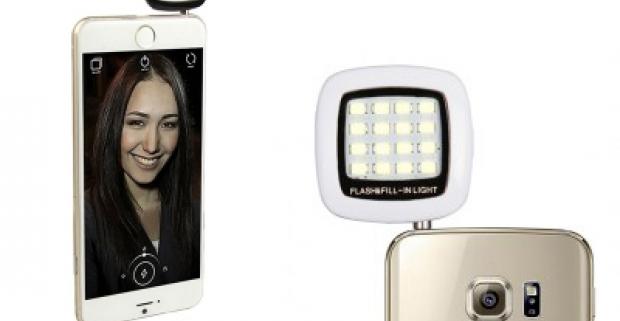 Externý LED blesk pre kvalitnejšie fotenie prostredníctvom smartfónu. Možné využiť aj ako zdroj prisvietenia (trvalého svetla) pri práci.
