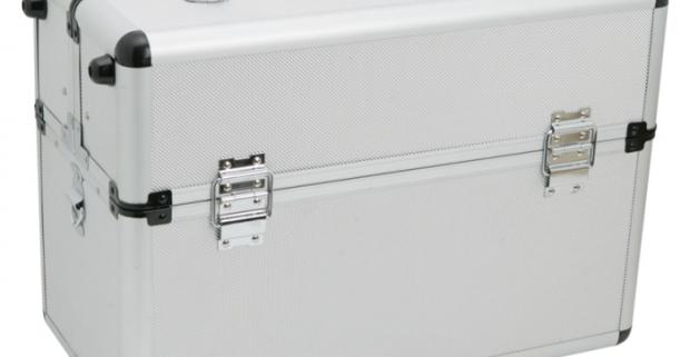 Kovový kufrík na náradie veľký. Viac menších, variabilných priehradiek, ktoré sú ideálne na skrutky a iné menšie súčiastky.