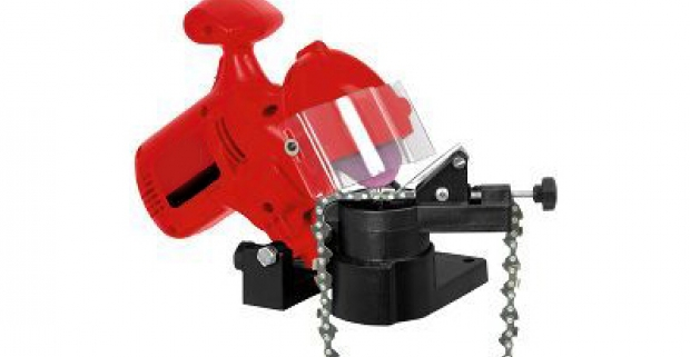 Elektrická brúska na reťaze. Dobre nabrúseným nástrojom ide práca ľahšie od ruky a k tomu predlžujete životnosť svojho nástroja.