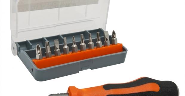 Nenahraditeľný pomocník pre každého domáceho majstra - 12 kusová sada bitov so skrutkovačom uložená v uzatvárateľnej plastovej krabičke.