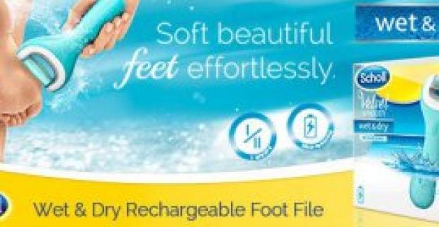 Hladká a jemná pokožka na chodidlách pomocou vylepšeného a vodeodolného elektrického pilníka Velvet Smooth Wet&Dry.