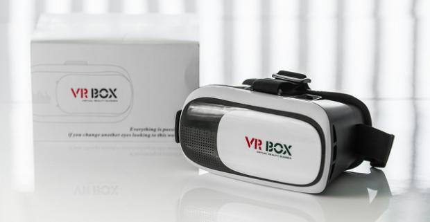 9f7c2bf17 Virtuálna realitu z vášho telefónu - virtuálne okuliare s inteligentným  bluetooth ovládačom. Vstúpte do sveta nekonečných možností!