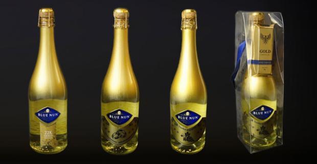Šumivé vína s lupienkami pravého zlata. Prekvapte vašich najmilších personalizovaným darčekom k ich výnimočnému dňu.