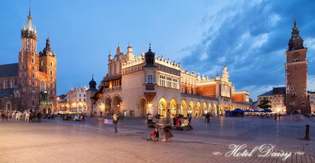 Navštívte mesto Krakov, jeden z najväčších skvostov Poľska. Pobyt v netradičnom hoteli Daisy v pokojnej časti mesta s raňajkami a wellness.
