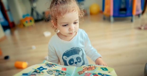 Hravá angličtina, nemčina pre deti od 3 rokov alebo španielčina od 12 rokov aj dospelých. Spojte výuku jazyka so zábavou a tvorením.