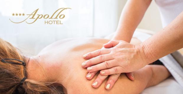 Zatvorte oči a predstavte si uvoľnenie pri relaxačnej masáži horúcim kokosovým olejom. Tak sa budete cítiť v prostredí hotela Apollo.