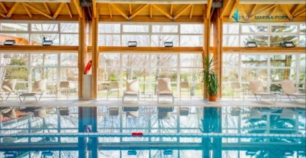 Rodinný wellness pobyt až s dvoma deťmi zdarma a polpenziou v luxusnom hoteli Marina-Port**** na pobreží jazera Balaton v Maďarsku.