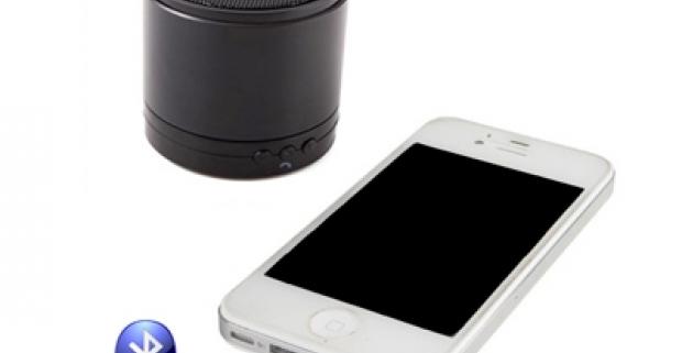 Fantastický moderný bluetooth Mp3 prehrávač s hands-free na telefón. Prehrávanie hudby z Micro SD pamäťovej karty.