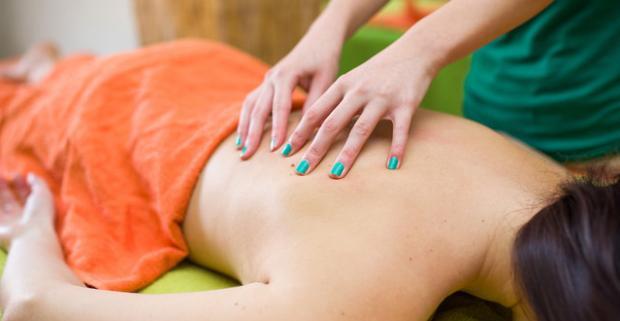 Luxusný ayurvédsky masážny balík v salóne ASANA pre jednotlivca alebo pár + darček. Doprajte si moderné zdravé telo a cíťte sa plný energie.