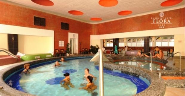Wellness a neobmedzený vstup do termálnych kúpeľov Eger, na to všetko sa môžete tešiť pri pobyte v exkluzívnom hoteli Flóra Hunguest ***.
