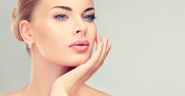 Čistenie pleti s LPG Wellbox prístrojovou liftingovou masážou. Prirodzené omladenie buniek a spevnenie jemnej pokožky tváre, krku, dekoltu.