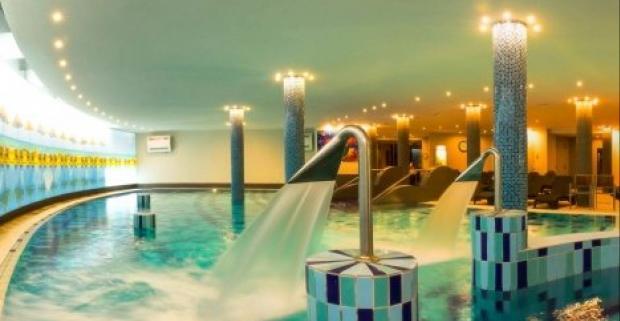 Zájdite si do kúpeľného Siófoku pri maďarskom jazere Balaton a užite si luxus CE Plaza Hotela**** s rozšírenou polpenziou.