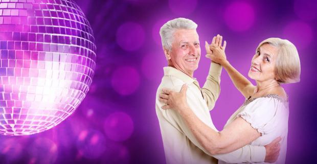 Aké by to bolo osviežiť si staré krásne časy? Tanečný kurz určený pre všetkých vitálnych seniorov v Tanečnej škole TOP CENTRUM.