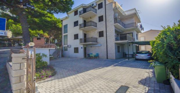 Dovolenkovanie na chorvátskej riviére Makarska si zamilujete! Ubytovanie ideálne pre 3 osoby vám poskytnú Apartmány Marinko.