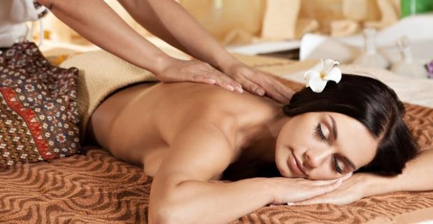Doprajte si tradičnú thajskú masáž alebo špeciálnu aromatherapy masáž. Počas 60 minút sa o vás postará skúsená masérka.
