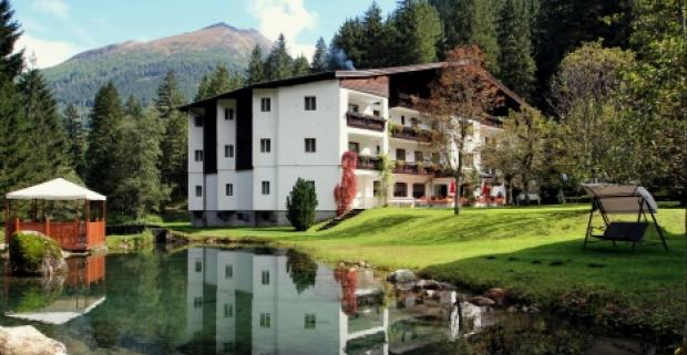 Užite si skvelú rodinnú dovolenku s voľným využívaním sauny a polpenziou v hoteli Evianquelle*** v údolí Gastein v rakúskych Alpách.