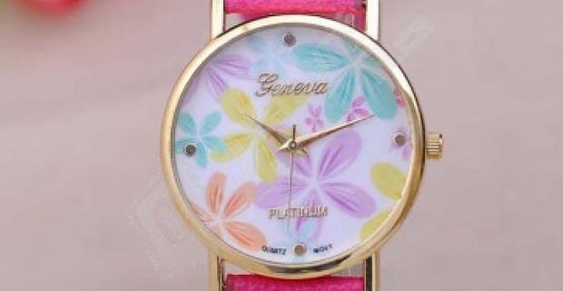 Elegantné dámske hodinky s kvetinovými vzormi ozvláštnia letný outfit.  Dodanie do 3 dní. 27e2bd2b349