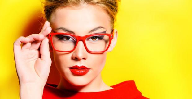 Značkové dioptrické okuliare Zrak je potrené chrániť ako oko v hlave. Optika  Profesional 86e9d84320c