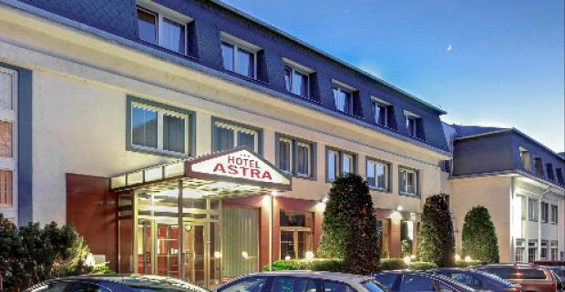 Chystáte sa výlet alebo služobnú cestu do Prahy? Hotel Astra ponúka ubytovanie v tichej lokalite pre 2 osoby a dieťa do 6 rokov zdarma.