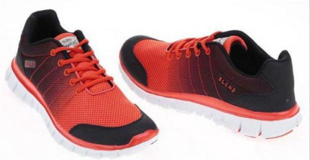 75367e004767 Pánske čierno-oranžové športové tenisky značky Blend. Luxusné tenisky  prevedené v modernom dizajne a vyrobené z kvalitného materiálu.