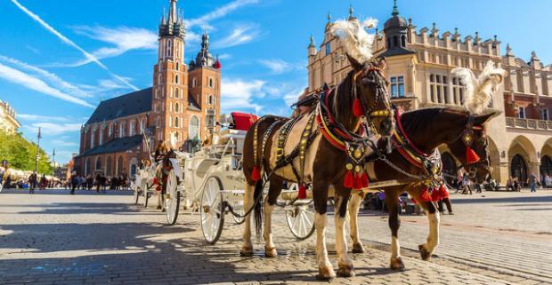 Spravte si výlet a objavte vo dvojici čaro Krakova s ubytovaním v Hoteli Panorama, len 3 km od starého centra mesta.
