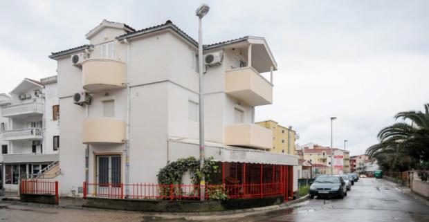 Užite si fantastickú dovolenku pri Jadrane. Pobyt v apartmánoch Stanka, vzdialených 150m od pláže na riviére Budva v Čiernej Hore.