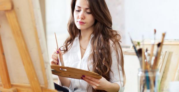 Objavte v sebe výtvarný talent na celodennom kurze olejomaľby technikou Dry Brush alebo Bob Ross. Kurzy prebiehajú vo viacerých mestách.