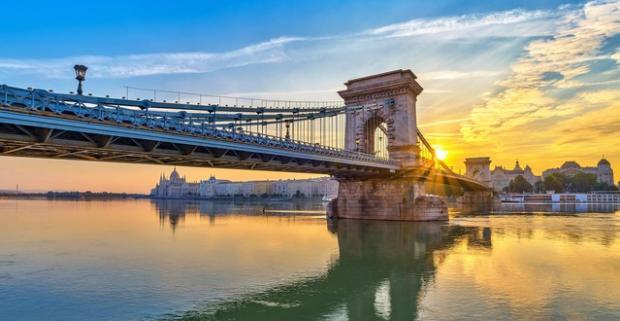 Či už cestujete do Budapešti za prácou alebo zábavou, v Mediterran Hotel Budapest**** nájdete všetko, čo potrebujete pre nerušený oddych.